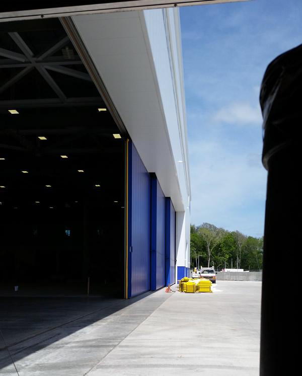 Bi in the hangar 2011 - 3 part 5
